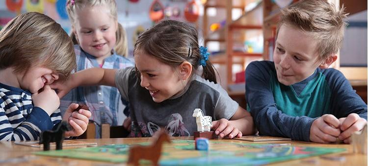 t-750-spiel-mit-eine-initiative-von-haba-spiel-und-bastelzeit-ist-familienzeit.jpg